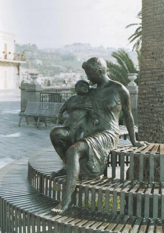 Madre e figlio - Aci Castello - Catania