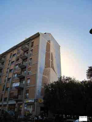 Tre pietre - uno storico murale cancellato a Cagliari