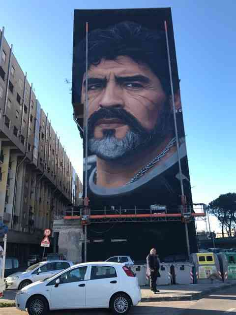 Un murale dedicato a Diego Armando Maradona - Napoli