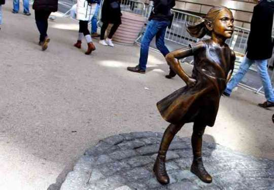 Fearless girl: una bambina impavida contro il Charging Bull