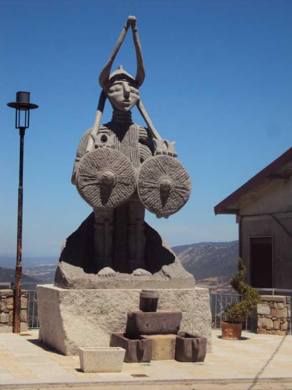Teti: il Dio Guerriero, da bronzetto a Gigante