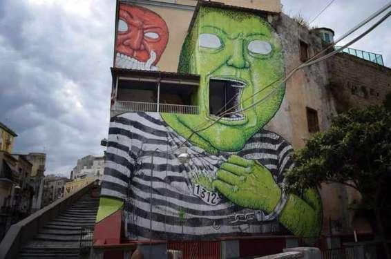 Il mostro verde alla conquista della libertà - Napoli