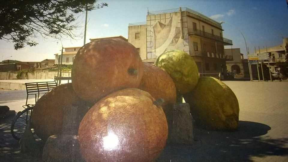 Monumento alla frutta - San Sperate