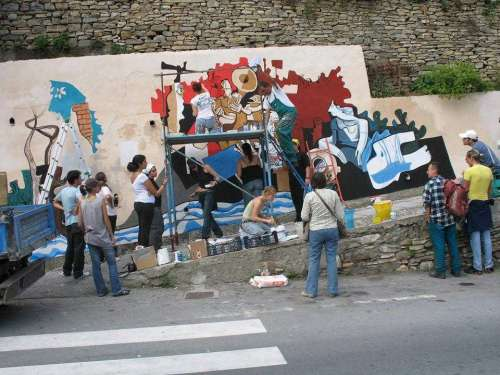 Badalucco - Un murale elogio alla propria memoria storica