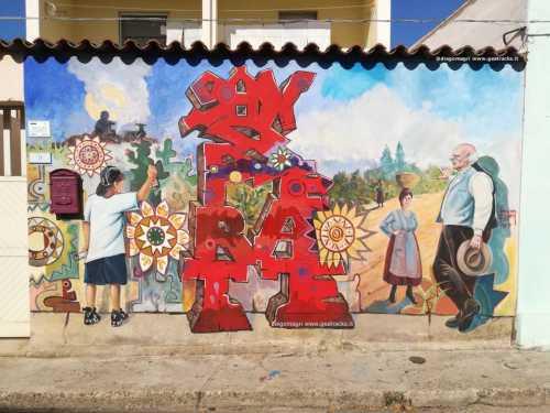 Uno storico murale risplende con i suoi colori originali