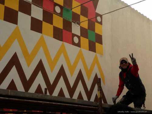San Gavino: un murale di unione ed integrazione fra popoli