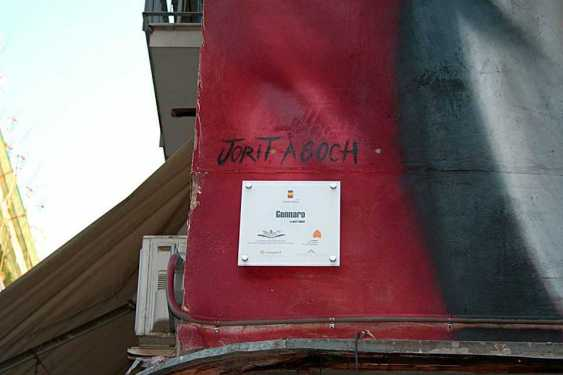 Gennaro - imponente graffito alle porte di Forcella - Napoli