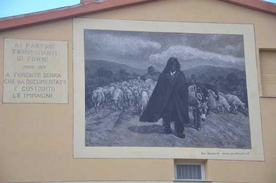Fonni: Tributo ai pastori transumanti e Fiorenzo Serra